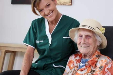 5 THINGS TO CONSIDER WHEN CHOOSING A HOME CARE PROVIDER